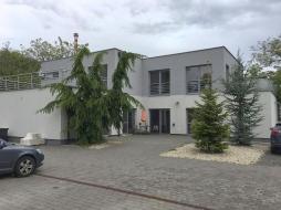Building - company main office for sale – Hrobarska street